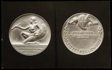 Photograph of the front and back of the Benjamin West Clinedinst Memorial Medal given to Leigh