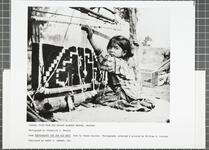 Yanaba, five-year-old Navajo blanket weaver, Arizona