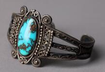 Silver bracelet with turquoise inset