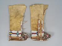Girl's beaded high top moccasins