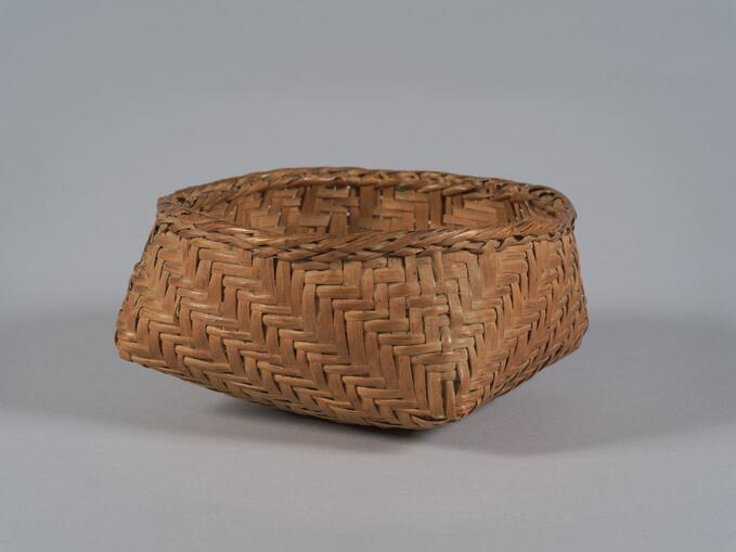 Single walled twill plaited rivercane basket (96.45)